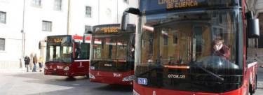 Rechazo de IU a la reestructuración de líneas de autobús urbano.