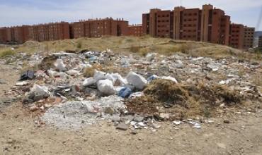 Izquierda Unida critica la inacción del Ayuntamiento y Diputación frente a las escombreras ilegales.