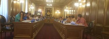 IU se interesa en el pleno de la Diputación con contratos de las Diputación con empresas privadas.