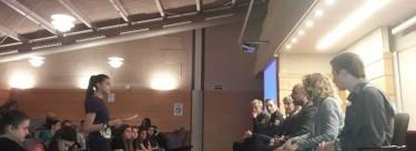 El Grupo Municipal Izquierda Unida del Ayuntamiento de Cuenca felicita a las componentes de La Brújula, colectivo juvenil de la Asociación Cultural Grupo 5 por su excelente trabajo sobre el Día Internacional de la Mujer.