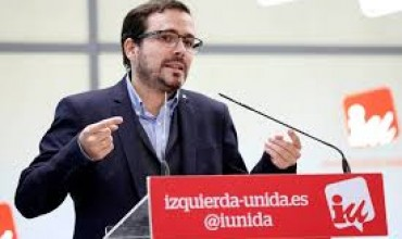 """Alberto Garzón explica que IU y el PCE presentan una querella contra el rey emérito y otras personas porque """"esta Monarquía no es trigo limpio aunque hoy nos den lecciones de democracia"""""""