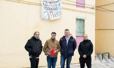 El candidato de Izquierda Unida, Pablo García, se reúne con la Asociación de Vecinos de «La Paz»