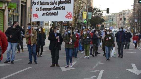 Sira Rego se reúne con la plantilla de Siemens-Gamesa y pide el mantenimiento de las fábricas en Cuenca y Somozas
