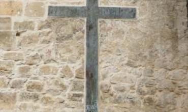 IU valora positivamente la sentencia que obliga al obispado a retirar los símbolos franquistas.