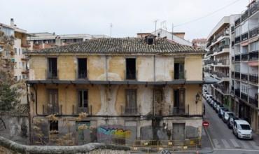 IU insiste en recuperar la posesión de los edificios cedidos a la Fundación Sánchez Vera