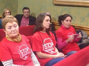 Activistas Pah Cuenca en el Pleno 04.11.15